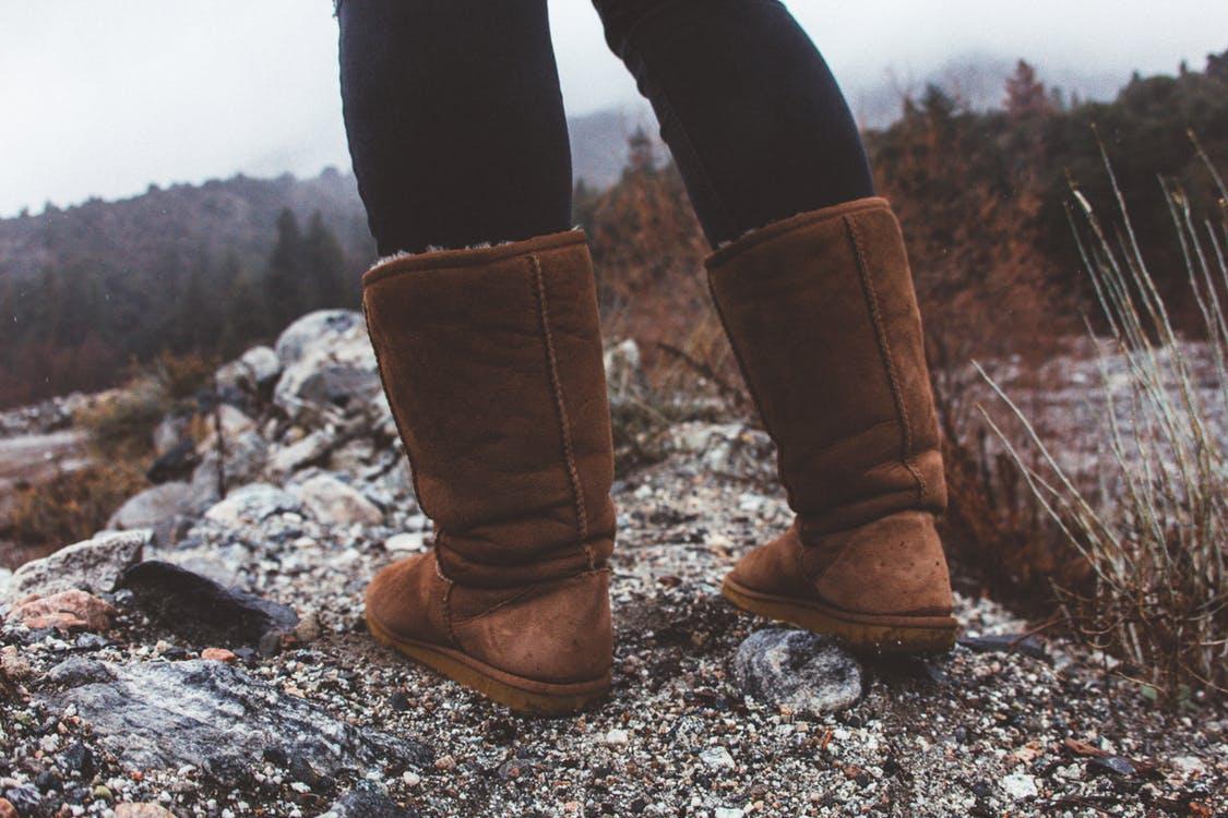 Dlaczego w zimę warto nosić mukluki?