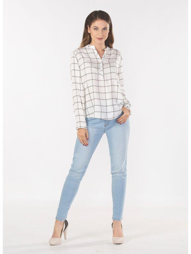 stylizacja ze spodniami jeansowymi